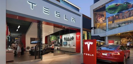 Elon Musk chce koupit firmu SolarCity, kterou kdysi založil se svými bratranci